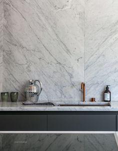 Per_Jansson_marble_Kitchen - Marble Kitchen Marble Kitchen Interior, Minimalist Kitchen Cabinets, Concrete Kitchen, Interior Desing, Interior Decorating, Country Look, Mandarin Stone, Apartment Kitchen, Kitchen And Bath