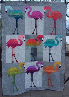 Wow check out this magnificent Patchwork Quilts - what a creative concept Diy Sewing Projects, Quilting Projects, Quilting Designs, Sewing Crafts, Quilting Ideas, Elizabeth Hartman Quilts, Vogel Quilt, Barbie Vintage, Flamingo Art