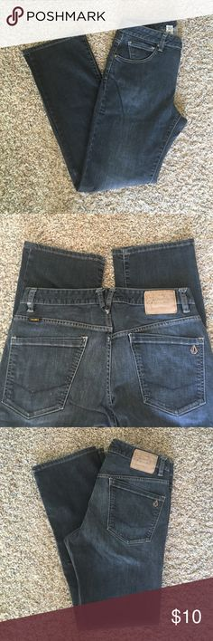 Genuine Volcom Brand Jeans. Size 32 Volcom Jeans Kinkade Classic Straight Fit. Size 32. Faded Black jeans lightly worn, comes from a smoke free, animal free home. Volcom Jeans Straight