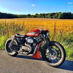 From @federico_motor_co #Sweden  #crxxx #caferacerxxx #ride #custom