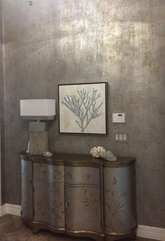 Foyer wall finish. Silver and champagne metallic with glass beads and mother of pearl mica applied to these walls😊#designerwallfinishes#fauxfinishes#glassbeadswallfinishes#shireenichole#shireenicholedesignerfinishes#mainecooncat