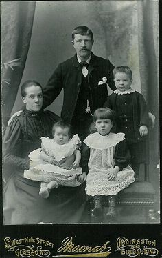 +~+~ Antique Photograph ~+~+  Family from Glasgow, Scotland.
