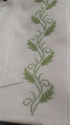 1 million+ Stunning Free Images to Use Anywhere Cross Stitch Boarders, Cross Stitch Bookmarks, Cross Stitch Flowers, Cross Stitch Designs, Cross Stitching, Cross Stitch Embroidery, Cross Stitch Patterns, Baby Knitting Patterns, Crochet Patterns