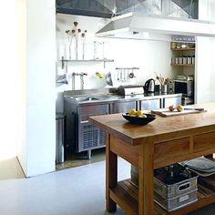 Freistehende Küchenarbeitsplatte #freistehendebadewanne #küche #kitchen  #arbeitsplatteküche #kitchens #elementebeau #küchebeau  #freistehendeelemente ...