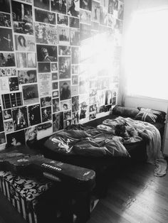 beautiful-bedrooms: music—ismy—aeroplane: Tumblr no We Heart It. http://weheartit.com/entry/75564506/via/Pamelaweila