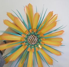 Made this for a friend and her ladies (her hens) :) Soda Can Flowers, Tin Flowers, Giant Paper Flowers, Plastic Bottle Art, Plastic Bottle Flowers, Plastic Bags, Aluminum Can Flowers, Aluminum Can Crafts, Pop Can Art