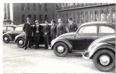 Ben Pon importa las primeras cinco unidades VW typ 11 a Holanda. 1947