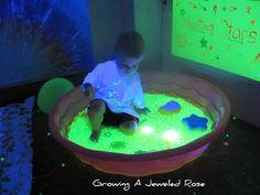 blacklight play glowing water beads