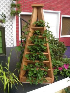 The Perfect DIY Vertical Garden Pyramid Planter Strawberry Tower, Strawberry Planters, Strawberry Garden, Strawberry Recipes, Vertical Planter, Vertical Garden Diy, Vertical Gardens, Diy Planters Outdoor, Garden Planters