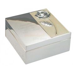 A beautiful mother of pearl trinket box which can be personalised with your own special message containing up to four lines of text, 15 characters per line. Personalized Mother's Day Gifts, Engraved Gifts, Engraved Photo Frames, Wedding Gifts Online, Mother Of Pearl Rose, Mother Of The Groom Gifts, Communion Gifts, Flower Girl Gifts, Christmas Gifts For Kids