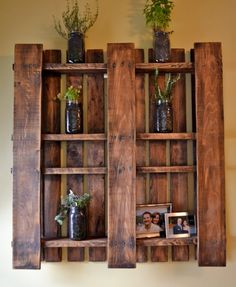 DIY Pallet Projects & Ideas | DIY Wall Planter | Amazing Do It Yourself Projects Made With Wooden Pallets | Living Room, Bedroom, Indoor and Outdoor, Kitchen, Patio. Coffee Table, Couch, Dining Tables, Shelves, Racks and Benches http://www.thrillbites.com/35-diy-pallet-projects-ideas