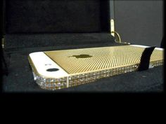 24ct Gold iPhone 5 'Carving Edition' feel the addictive unique grid like design on your fingers. www.ashegold.com Apple Iphone 5, Material Girls, Fingers, Grid, Swarovski Crystals, Zip Around Wallet, Plating, Carving, Unique