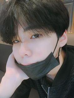 Cute Asian Guys, Cute Korean Boys, Asian Boys, Asian Men, Cute Boys, Korean Boys Ulzzang, Ulzzang Couple, Ulzzang Boy, Korean Men
