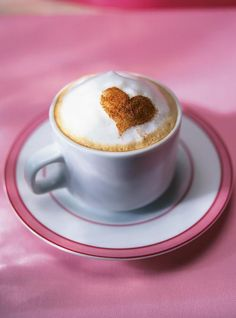 Find images and videos about food, yummy and coffee on We Heart It - the app to get lost in what you love. Good Morning Coffee, I Love Coffee, Coffee Break, Latte Art, Coffee Cafe, Coffee Drinks, Cappuccino Recipe, Cinnamon Hearts, Pause Café