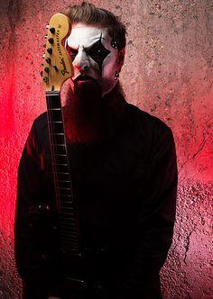 One of my favorite guitarists. Nu Metal, Heavy Metal Rock, Heavy Metal Bands, Paul Gray, Chris Fehn, Iowa, System Of A Down, Thrash Metal, Radiohead