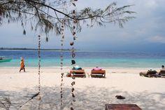 Cute decoration from shells Travelling, Shells, Decoration, Cute, Conch Shells, Decor, Seashells, Kawaii, Sea Shells