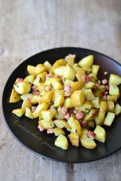 Patate al forno con pancetta, se anche voi non sapete dire di no alle patate al forno non potete non amare questa versione arricchita con la pancetta!