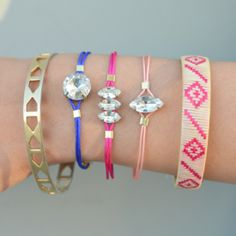 Learn to make these colorful rhinestone colorful bracelets with this easy to follow tutorial.