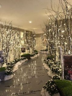 42 Beautiful Winter Wonderland Lighting Ideas For Outdoor And Indoor Decor - HOMYHOMEE