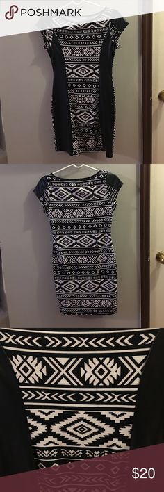 Sexy trendy dress! Slim fit extremely flattering party dress! Never worn! Dresses Mini