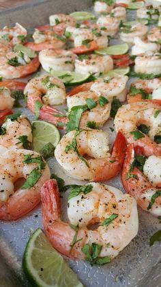 Cilantro-Lime Shrimp Clean Eating Recipe http://cleanfoodcrush.com/cilantro-lime-shrimp/