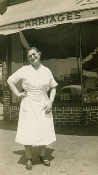 Stahl (of Mrs. Stahl's Knishes) on the corner of Brighton Beach and Coney Island Avenues, near her famous Knish Shop, circa Her Granddaughers shared her Famous Potato Knish Recipe. Kosher Recipes, Gourmet Recipes, Cooking Recipes, Cooking Ideas, Delicious Recipes, Knish Recipe New York, Chocolate Crackle Cookies, Israeli Food, Israeli Recipes