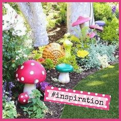 Planning a kids party? The Party Goddess!, LA's best full service event planner who can make any party ridiculously fab, shares faerie garden inspiration! Apartment Porch Decor, Modern Rustic Decor, Small Backyard Landscaping, Business For Kids, Porch Decorating, Faeries, Amazing Gardens, Event Decor, Garden Inspiration