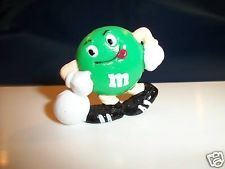 M&M's Green SOCCER KICKER Figure Solid Figurine M&Ms FRENCH Pocket Surprise M&M