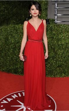 Sexy V-neck Chiffon Red Long Formal Evening Dress Red Formal Dresses, Red Carpet Dresses, Formal Evening Dresses, Selena Gomez, Vanity Fair Oscar Party, Celebrity Outfits, Dress P, Her Style, Dress To Impress