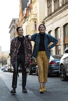 Every amazing street style look from London Fashion Week Fall 2017.