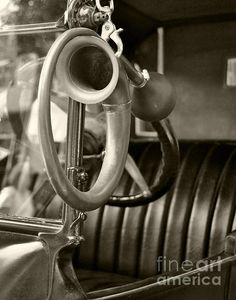 Title: Antique Auto Horn Artist: Leslie Cruz Medium: Photograph - Photograph