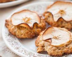 Cookies légers aux flocons d'avoine et pomme : http://www.fourchette-et-bikini.fr/recettes/recettes-minceur/cookies-legers-aux-flocons-davoine-et-pomme.html