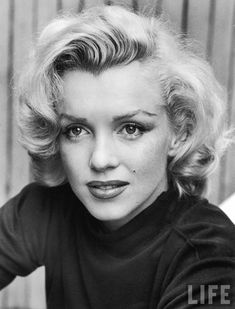 """A brilliantly talented actress, who was told by the alleged authorities, by Hollywood, by the press, that she could not act."" An interesting article by Ayn Rand on Marilyn Monroe http://ehehr1955.wordpress.com/2011/05/04/ayn-rand-on-marilyn-monroe-august-1962/"