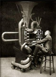 "The ""Follyphone"", a fake musical instrument designed by Lewis Sydney as a parody of new musical instruments being devised at the time, September 1912 Vintage Photographs, Vintage Photos, Motif Music, Theatre Of The Absurd, Best Guitar Players, Evanescence, Ex Machina, Black And White Pictures, Sith"