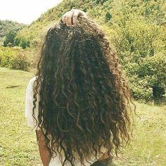 Kıvırcık Uzun Saç Modelleri