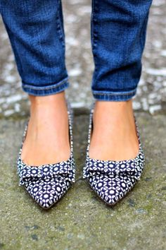 Printed Pointed Toe Flats With a Bow