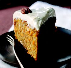 Self-raising wholemeal flour gives a more dense texture than white self-raising, so is particularly good for carrot cakes and muffins, with all the added goodness of wholegrain. Wholemeal flour absorbs more liquid so you will need to add extra liquid compared to white flour recipes.