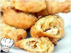 ΤΥΡΟΠΙΤΑΚΙΑ ΜΕ ΤΗΝ ΠΙΟ ΕΥΚΟΛΗ ΖΥΜΗ ΤΥΡΙΟΥ ΜΕ 3 ΥΛΙΚΑ!!! - Onion Rings, Bagel, Nutella, Muffin, Bread, Baking, Breakfast, Ethnic Recipes, Food
