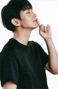 This oppa, his jawline is enough to make every girl fall for him Joon Gi Lee Jong Ki, Lee Dong Wook, Lee Seung Gi, Yoo Seung Ho, Park Seo Joon, Seo Kang Joon, Jung Suk, Lee Jung, Most Handsome Korean Actors