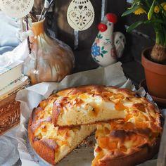 Kuohkeat vaniljamuffinssit nopeasti - Piparkakkutalon Akka Flora, Bread, Desserts, Tailgate Desserts, Deserts, Brot, Plants, Postres, Baking