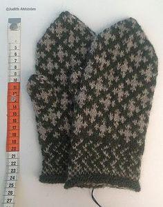 Knitted Mittens Pattern, Knitting Paterns, Knit Mittens, Knitted Shawls, Mitten Gloves, Knitting Stitches, Knitting Socks, Knitting Projects, Drops Design