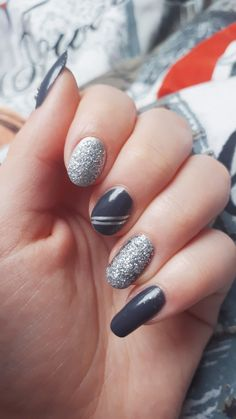 gray and silver elegant nails
