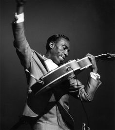 T Bone Walker at the Hammersmith Apollo in 1960 by David Redfern.