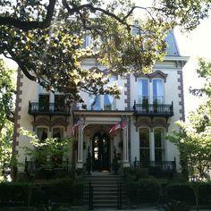 Beautiful Savannah mansion!
