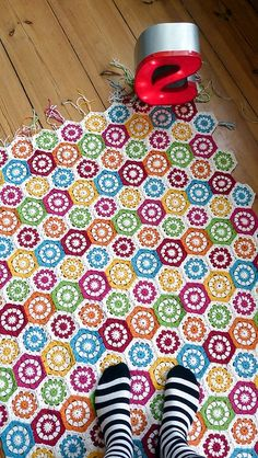 Amazing hexagon blanket work bybloodybunnyon Flickr. I just love this color scheme!