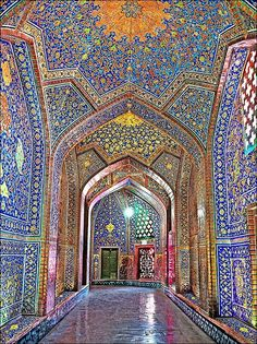 A collection of photographs pulled together by Decoritem shows the rich history of mosque wall art designs. The shapes, colors, and patterns that are embedded into the architecture present beautiful spaces, both on the exterior and interior. Art Et Architecture, Persian Architecture, Beautiful Architecture, Beautiful Buildings, Mosque Architecture, Ancient Architecture, Beautiful World, Beautiful Places, Beautiful Pictures