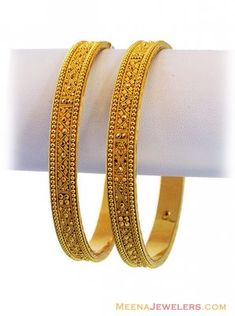 Filigree Gold Bangles Pcs) - Indian Gold fancy filigree bangles(set of two) with matte and shine finish combination. Gold Bangles Design, Gold Earrings Designs, Gold Jewellery Design, Gold Jewelry, India Jewelry, Jewellery Diy, Kerala Jewellery, Gold Designs, Quartz Jewelry