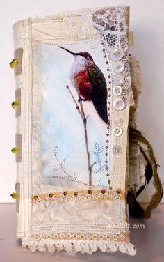 I love birds! Especially this sweet lil hummerbird!