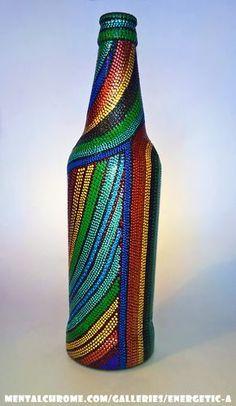 Empty Wine Bottles, Wine Bottle Art, Diy Bottle, Bottle Vase, Painted Glass Bottles, Glass Bottle Crafts, Dot Art Painting, Altered Bottles, Bottle Painting