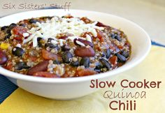 A delicious Healthy Meal! Slow Cooker Quinoa Chili from Sixsistersstuff.com #chili #slowcooker #recipe